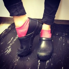 Kitchen Shoes Womens Bags Why Pros Wear Clogs And Would Dump Their Boyfriends For A Good Pair Bon Appetit