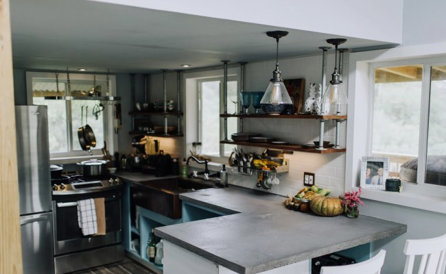 Inside A Tiny House Kitchen That Can Feed 25 People Bon