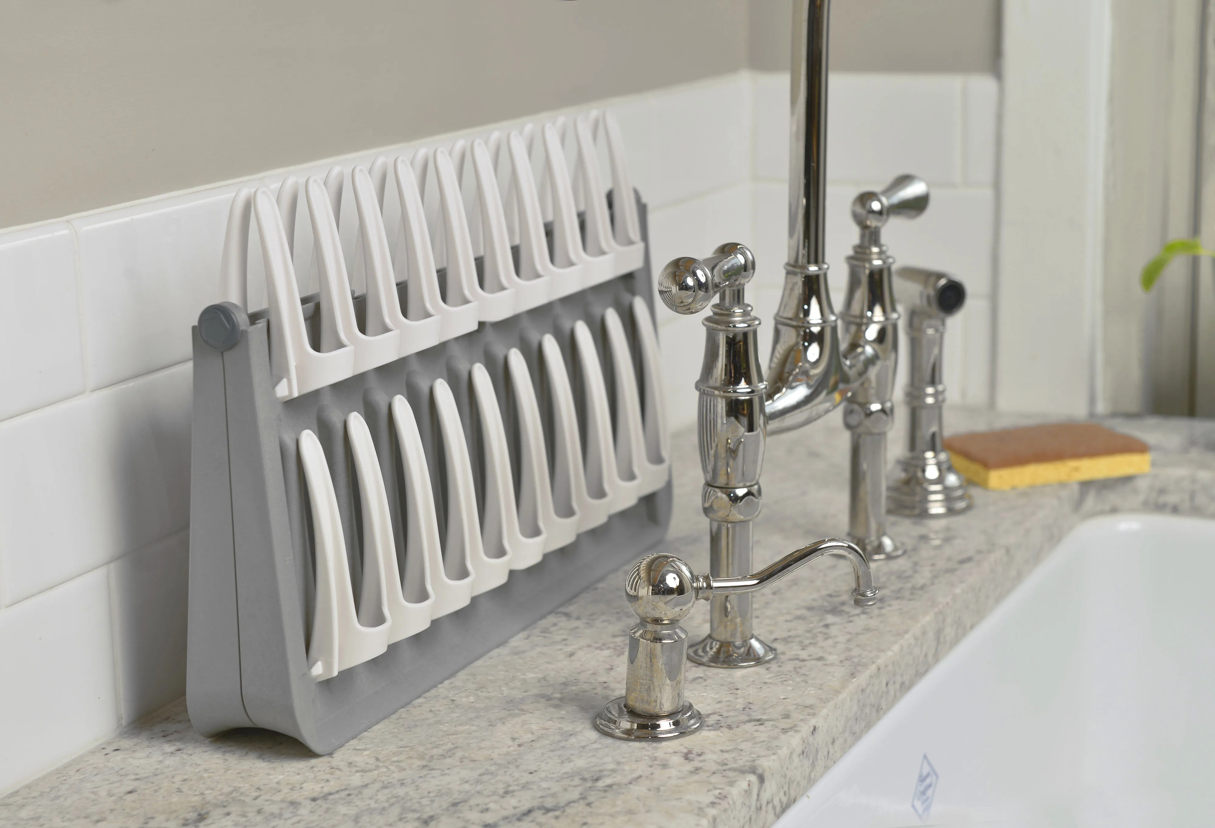 the perfect dish rack for very small