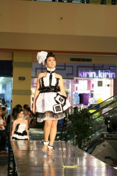 Small couture Black and White Dress