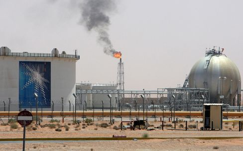 06 Feb 2013, Saudi Arabia --- A gas flame is seen in the desert near the Khurais oilfield, about 160 km (99 miles) from Riyadh, in this June 23, 2008 file photo. A combination of massive currency reserves and a 2013 spending plan based on a conservative oil price projection means Saudi Arabia has considerable flexibility in deciding its oil output policy this year. To story SAUDI-OIL/BUDGET REUTERS/Ali Jarekji/Files (SAUDI ARABIA - Tags: BUSINESS ENERGY) --- Image by  ALI JAREKJI/Reuters/Corbis