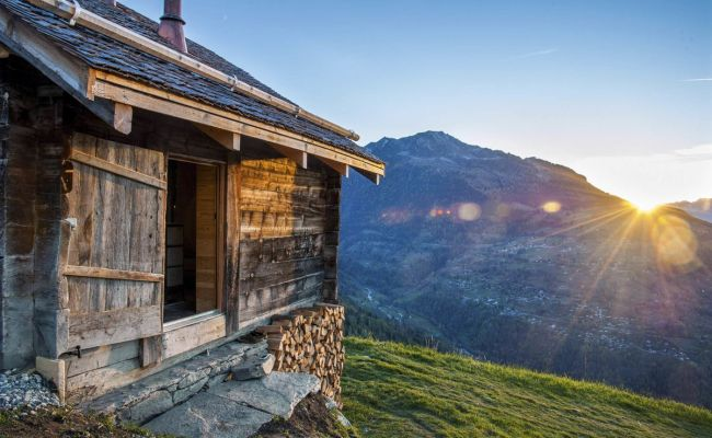 Now You Can Stay In Switzerland S Hidden Historic Alpine Huts Bloomberg