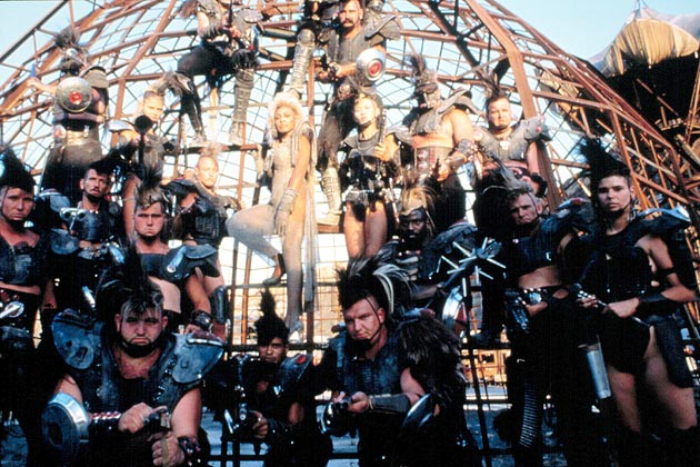 Microsoft's Tablet Strategy Is Straight Out of the Thunderdome - Bloomberg