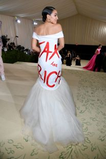 AOC Wears 'Tax the Rich' Dress to Met Gala Where Tickets Cost $35,000 -  Bloomberg