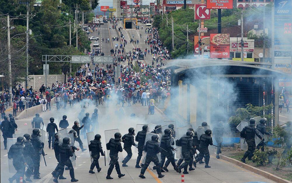 honduras unrest spreads as