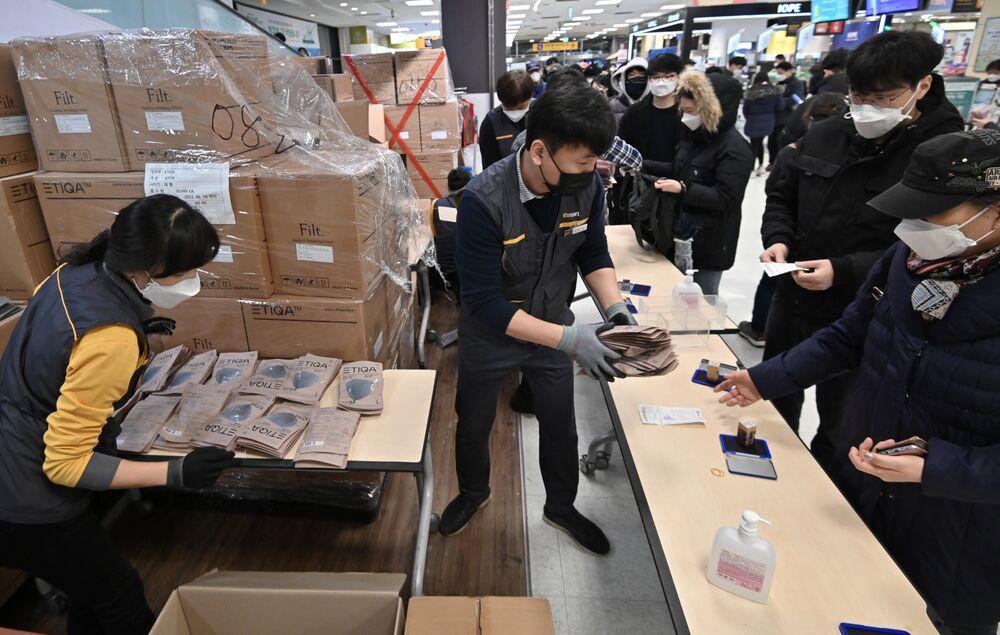South Korea Coronavirus Cases May Peak at 10,000, JPMorgan Says ...