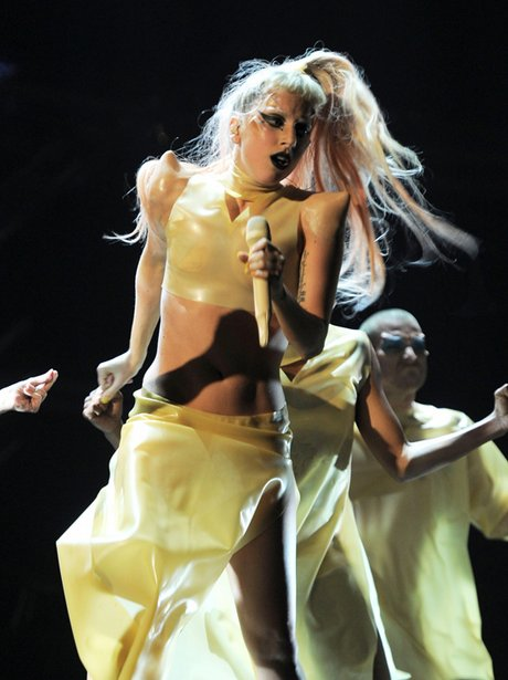 Lady Gaga Grammys 2011 : grammys, Performing, Grammys, Capital