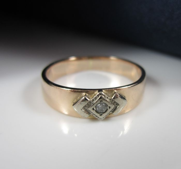 585 rose gold ring set with stones, Russian