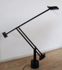 Richard Sapper pour Artemide - lampe de bureau Tizio ...