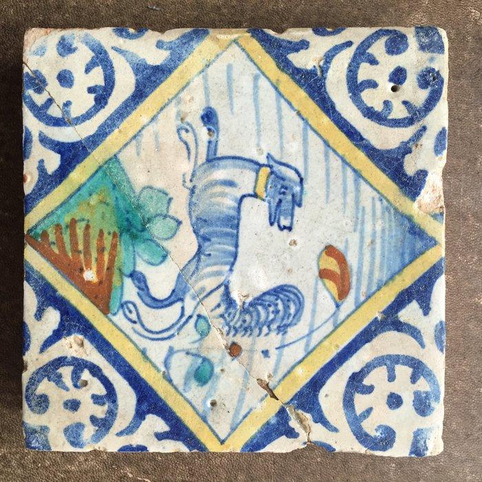 Quadrant tile with dog