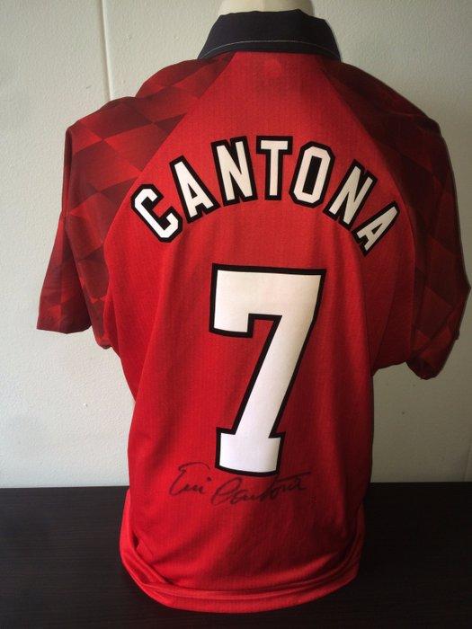 Eric daniel pierre cantona, född 24 maj 1966 i marseille, frankrike, är en fransk tidigare anfallsspelare i fotboll. Eric Cantona Manchester United Signed Home Shirt Old Catawiki
