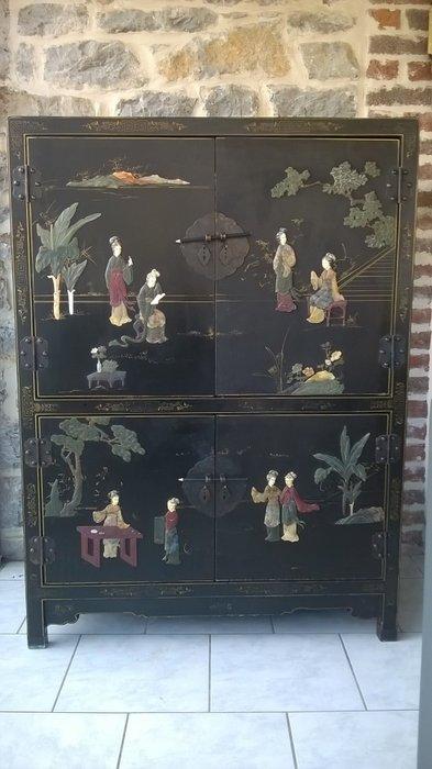 meuble chinois laque noir avec motifs