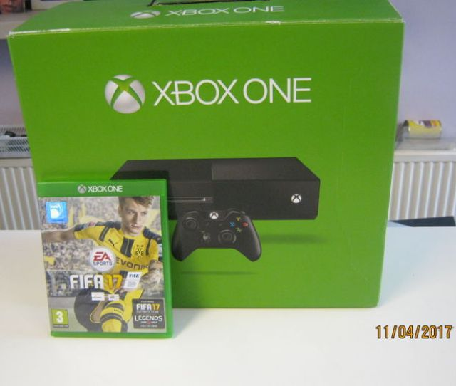 Complete X Box One 500gb Incl Headset Fifa 2017 And Wannanty For