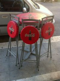 Vintage Coca Cola bar table with 3 stools, 1970s - Catawiki