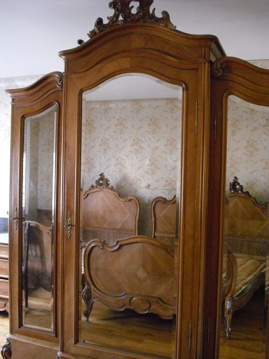Suite Of Furniture In Walnut In Louis Xv Style Early 20th Catawiki