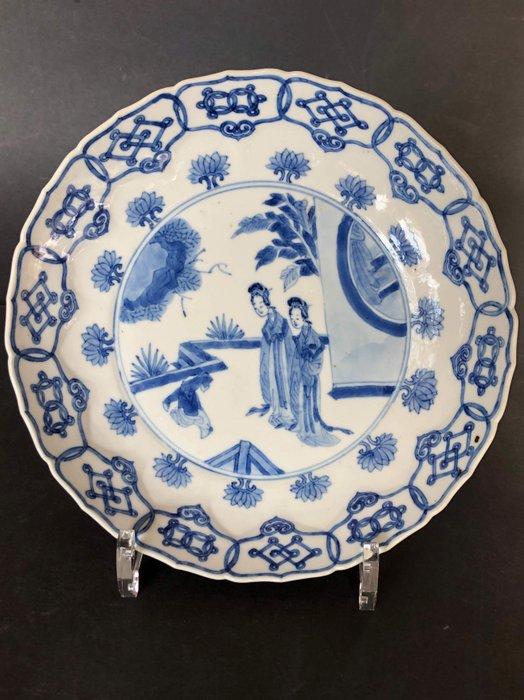 Plate (1) - Porcelain - 6 character Chenghua mark - China - Kangxi (1662-1722) - Catawiki