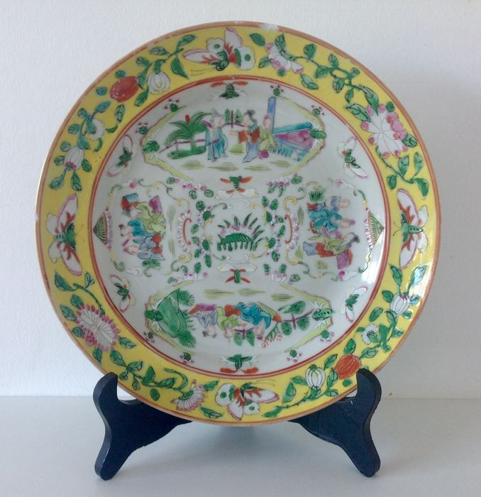 Plate - Famille jaune - Porcelain - China - 19th century - Catawiki