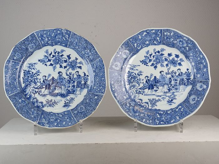 Pair of plates - Porcelain - Figural scenes - China - Qianlong (1736-1795) - Catawiki