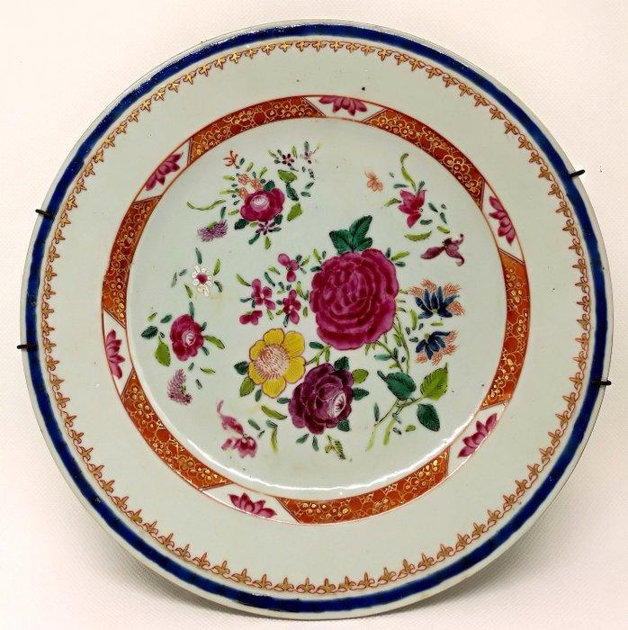 Superb Chinese Family Rose Dish - Porcelain - China - Qianlong (1736-1795) - Catawiki