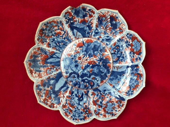 Imari lotus shaped dish - Porcelain - China - Kangxi (1662-1722) - Catawiki