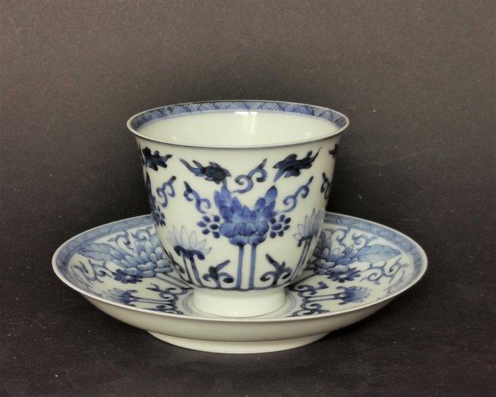 Cup and Saucer - Porcelain - Yu marked - China - Kangxi (1662-1722) - Catawiki