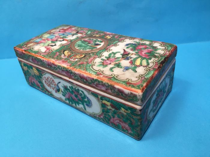 Box - Canton, Famille rose - Porcelain - China - 19th century - Catawiki