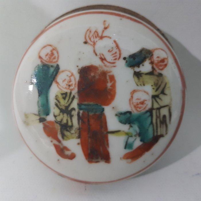 Box (1) - Famille rose - Porcelain - China - Qing Dynasty (1644-1911) - Catawiki