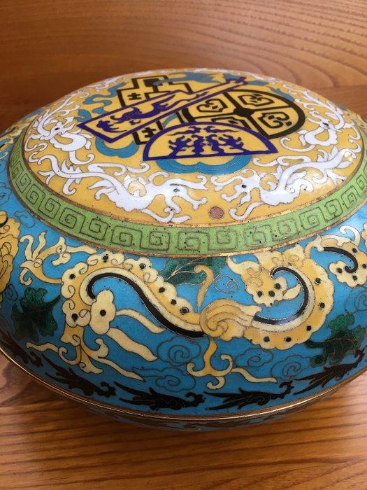 Box - Cloisonne enamel - Japan - Meiji period (1868-1912) - Catawiki