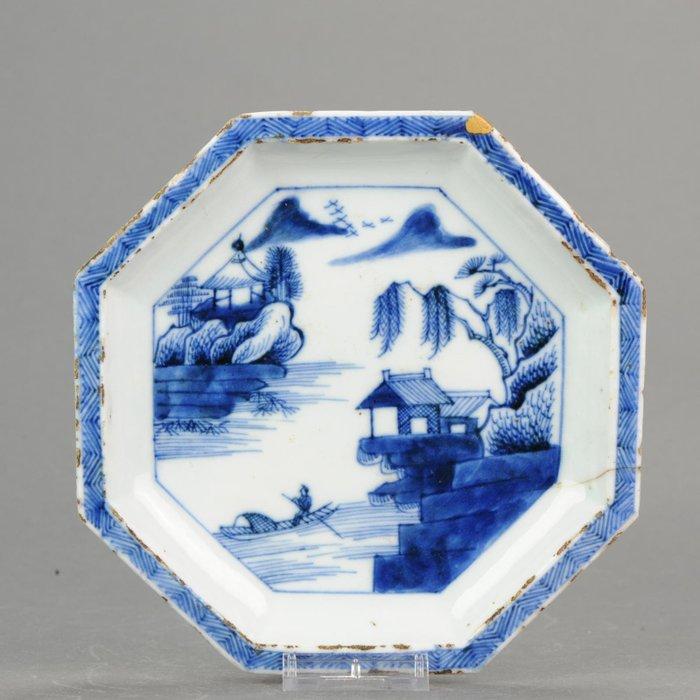 Plates - Kosometsuke - Porcelain - Ming or Transitional - China - 17th century