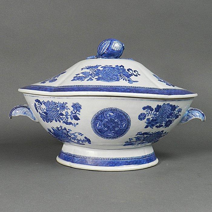 Tureen - Blue and white - Porcelain - China - Qianlong (1736-1795) - Catawiki