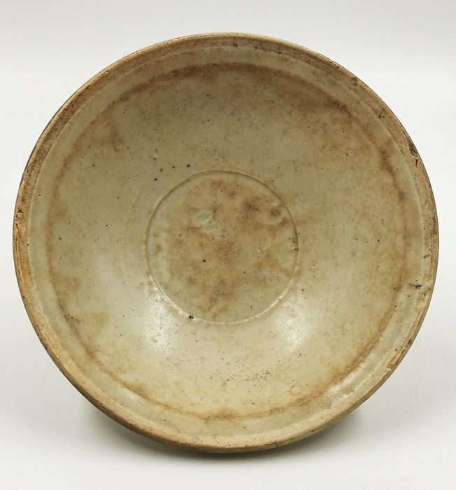 Ancient Chinese Ming Dynasty Glazed Terracotta Celadon Bowl - Catawiki