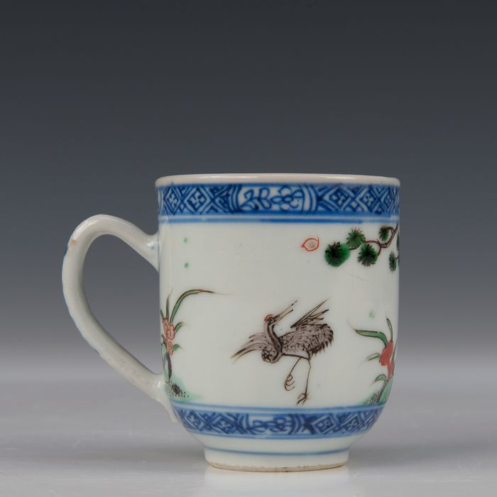 Cup (1) - Famille verte - Porcelain - heron and deer with pine and rock with fungus - China - Kangxi (1662-1722) - Catawiki