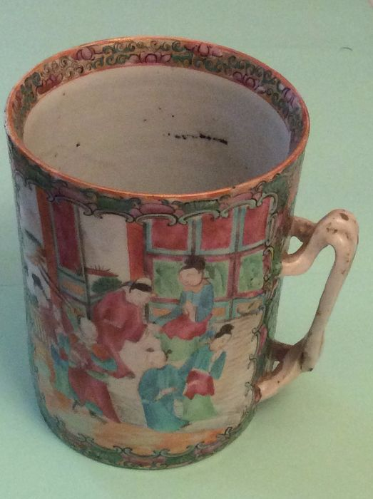 Tankard (1) - Canton, Famille rose - Porcelain - drawing of the Chinese court - China - 1899-1920 - Catawiki