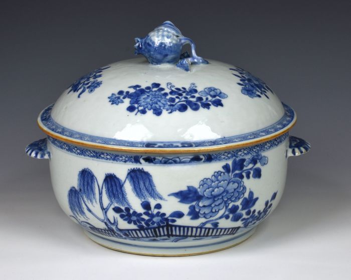 Nanking Cargo tureen with certificate (2) - Porcelain - blue and white porcelain tureen and cover - China - 18th century