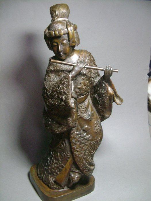 Okimono - Patinated bronze - Geisha Musicienne - Japan - Shōwa period (1926-1989) - Catawiki