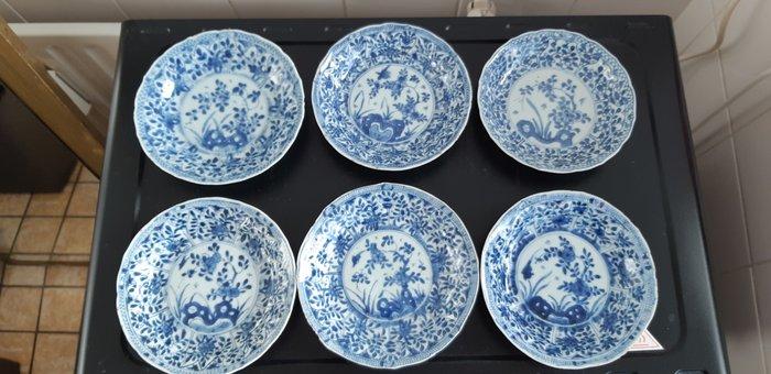 Saucers (6) - Porcelain - Flowers - China - Kangxi (1662-1722) - Catawiki