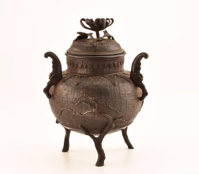 Censer - bronze - Patinated bronze - Rare highly decorated incense burner - Japan - Meiji period (1868-1912) - Catawiki