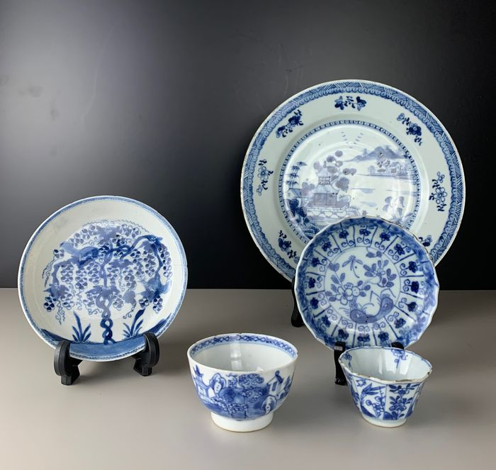 Lot of Chinese porcelain cups and plates - Porcelain - China - Kangxi to early 19th century - Catawiki