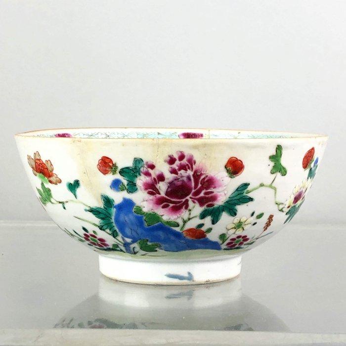 A chinese porcelain bowl Qianlong Period Famille Rose - Famille rose - Porcelain - Bird, Flowers - China - 18th century - Catawiki