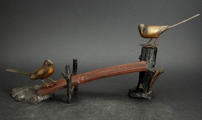 Okimono - Cast iron - Japanse Okimono gesigneerd Mitsuyama - Japan - 1930-1950 Showa period