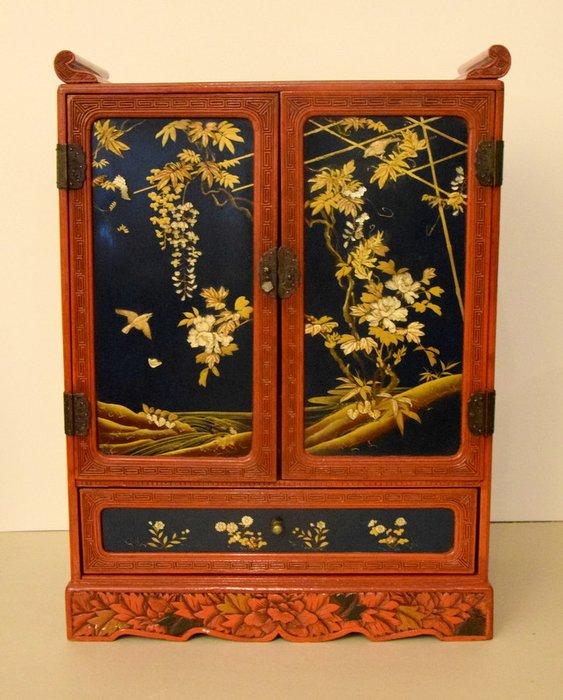 Cabinet - Hardwood - Japan - Meiji period (1868-1912) - Catawiki