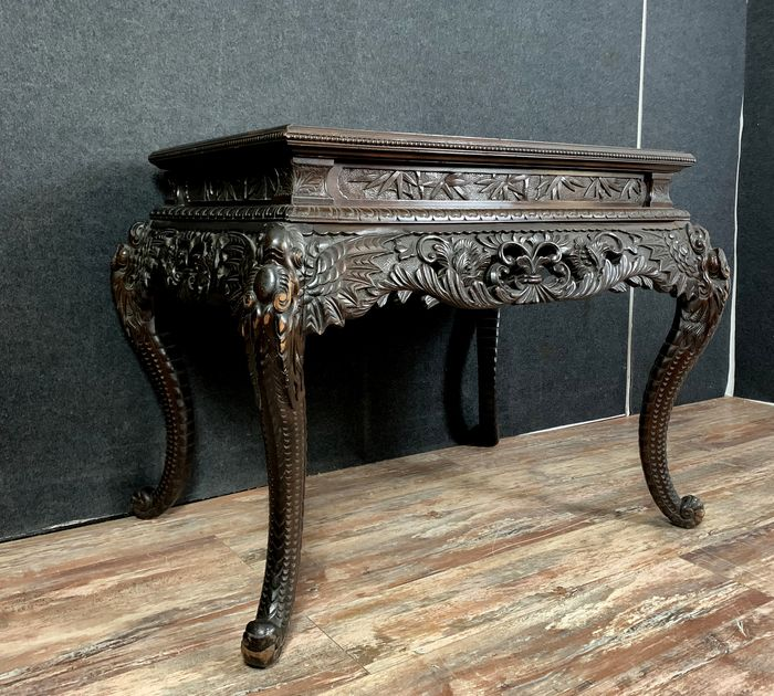 Carved Japanese table - Wood - Japan - Meiji period (1868-1912)