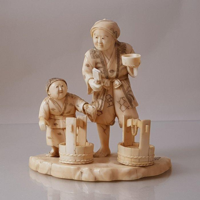 Okimono (1) - Ivory - Japan - Meiji period (1868-1912) - Catawiki