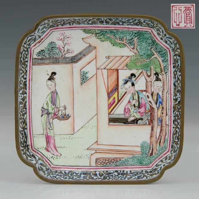 "Dish - marked (1) - Famille rose - Canton enamel - Long lines - ""Romance of Western chamber"" - China - Qianlong (1736-1795) - Catawiki"