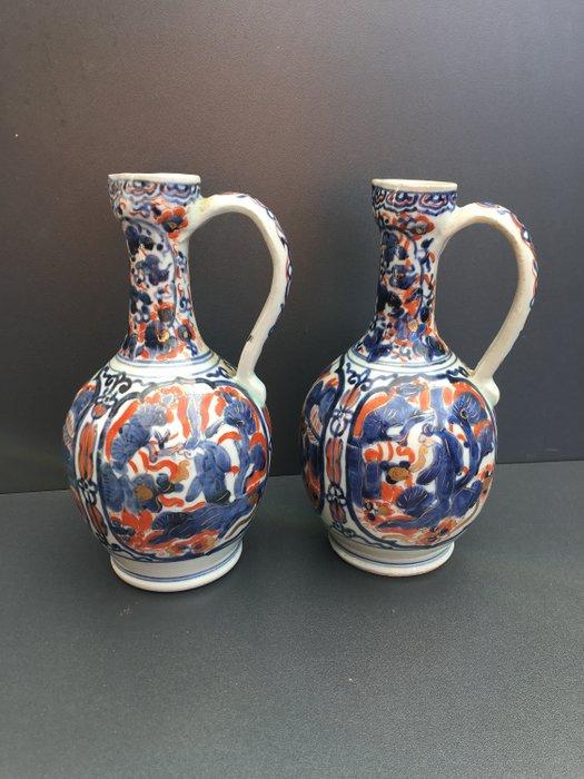 Pair of ewers - Porcelain - Japan - Edo Period (1600-1868) - Catawiki