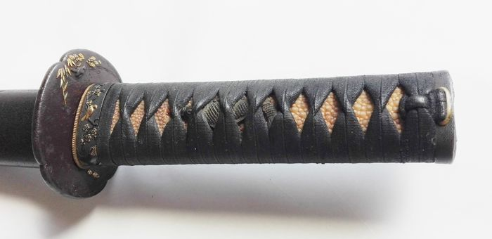 Wakizashi , Koshirae - Long 63.7 cm beautiful birds and sakura flower design Tsuba , fuchi kashira - Mix material - Japan - 18th century