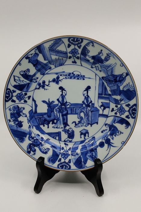Plate (1) - Blue and white - Porcelain - Figures - Kangxi plate - China - 17th century