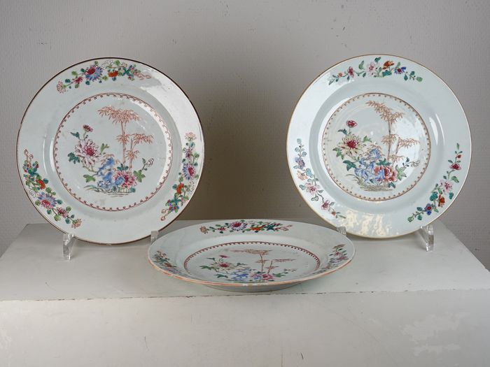 Set of three plates with bamboo decor - Famille rose - Porcelain - China - Qianlong (1736-1795)