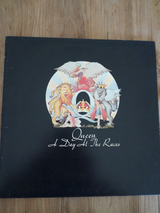 Queen A Day At The Races Titres : queen, races, titres, Queen, Night, Opera, Races, Catawiki
