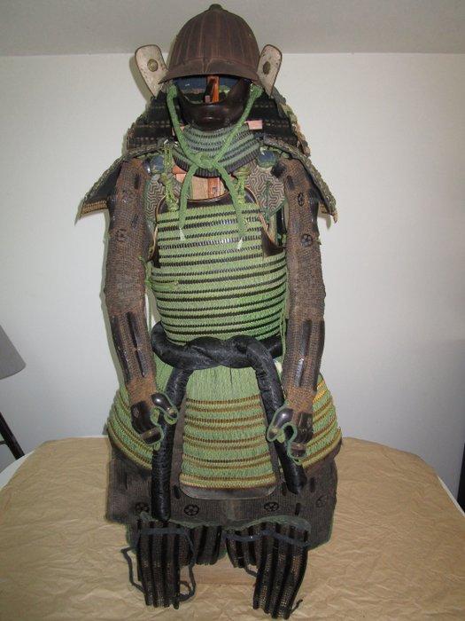 Genuine Edo Samurai YOROI Armor (1) - silk, cotton, leather, Japanese lacquer, brass, steel, wood - Japan - Edo Period (1600-1868)